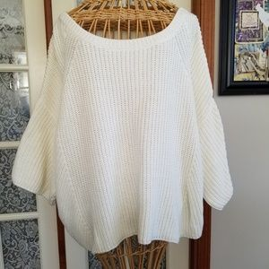 White Pullover Sweater with Scoop Neck 3/4 Sleeves